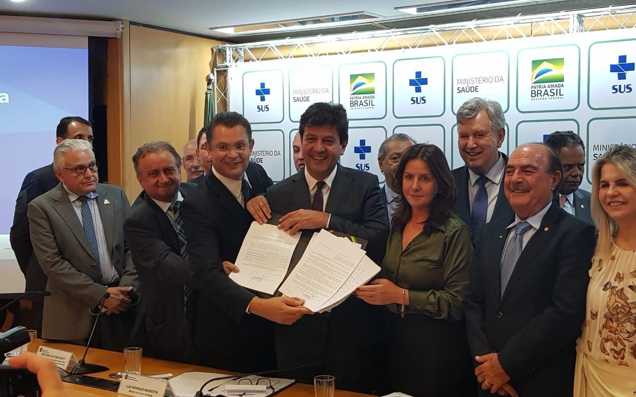 Com ministro da Saúde, Miguel reforça trabalho