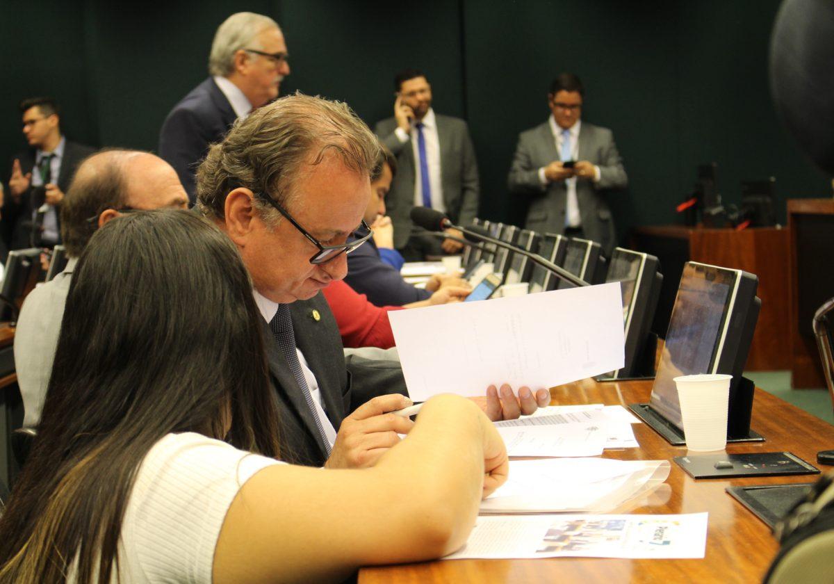 Miguel celebra a aprovação de dois projetos em ministérios