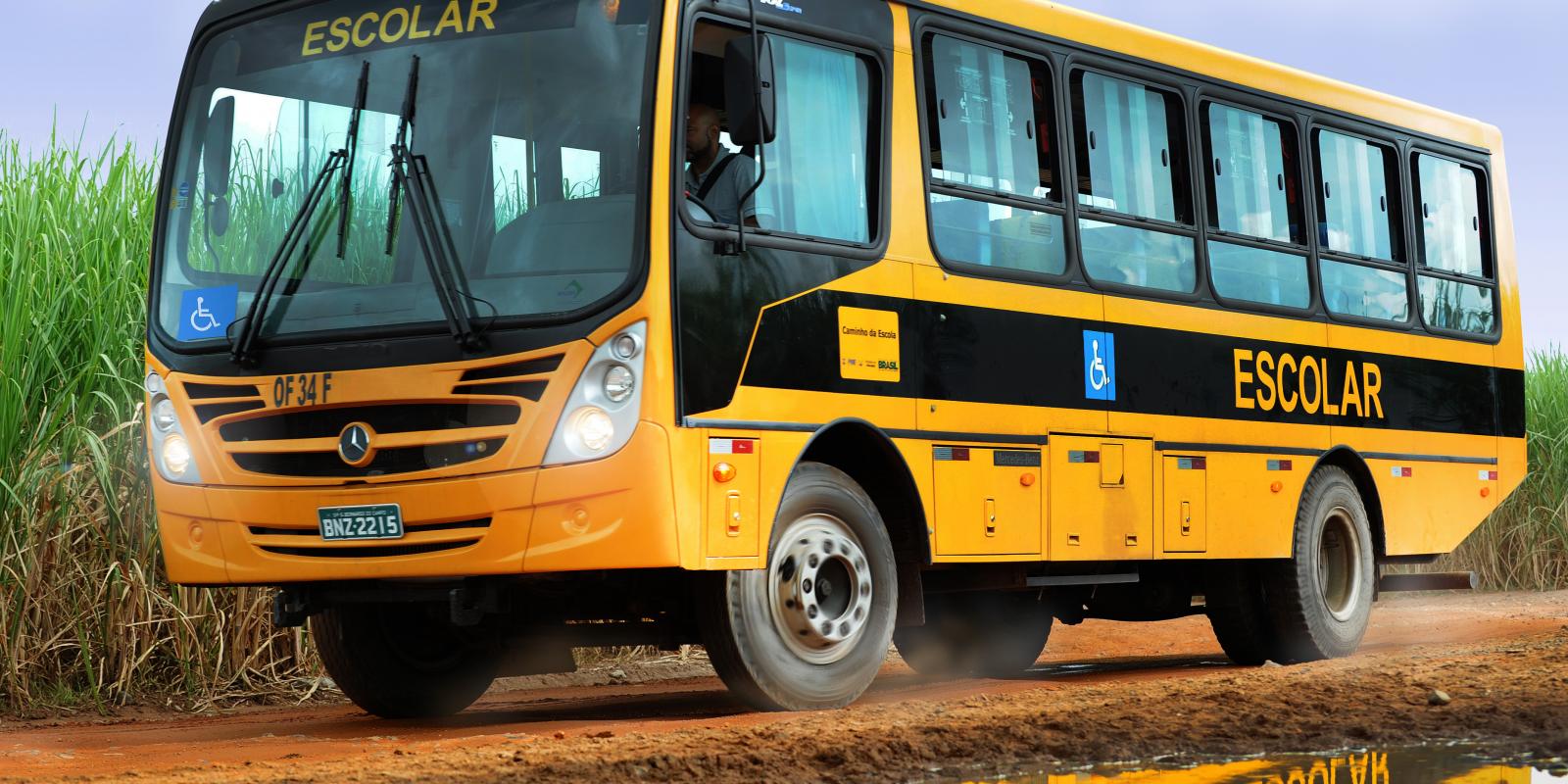 Ônibus escolar para Limeira